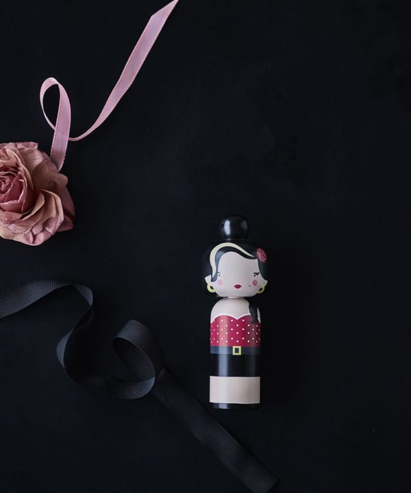 Figurine bois Amy Winehouse , Lucie Kaas