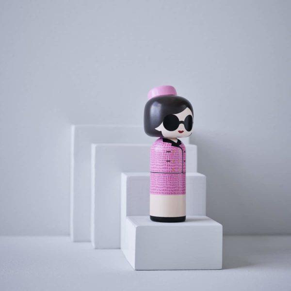 Figurine bois Jackie Kennedy, Lucie Kaas